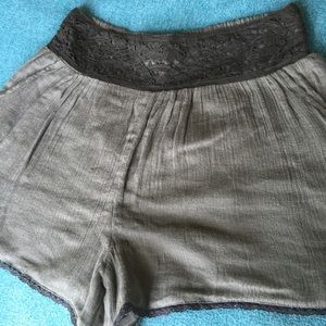 Free People Shorts w Lace and Pockets - Small